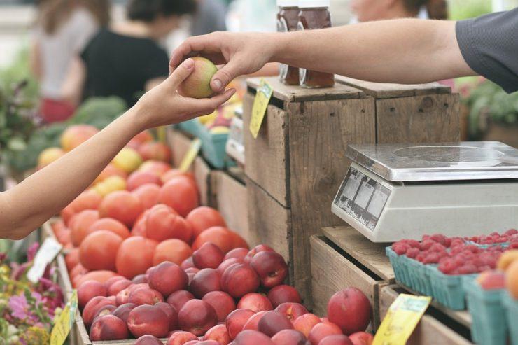 В Новокузнецке будут продавать продукты по сниженным ценам
