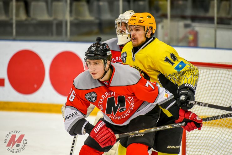 «Металлург» одержал победу в важном матче плей-офф